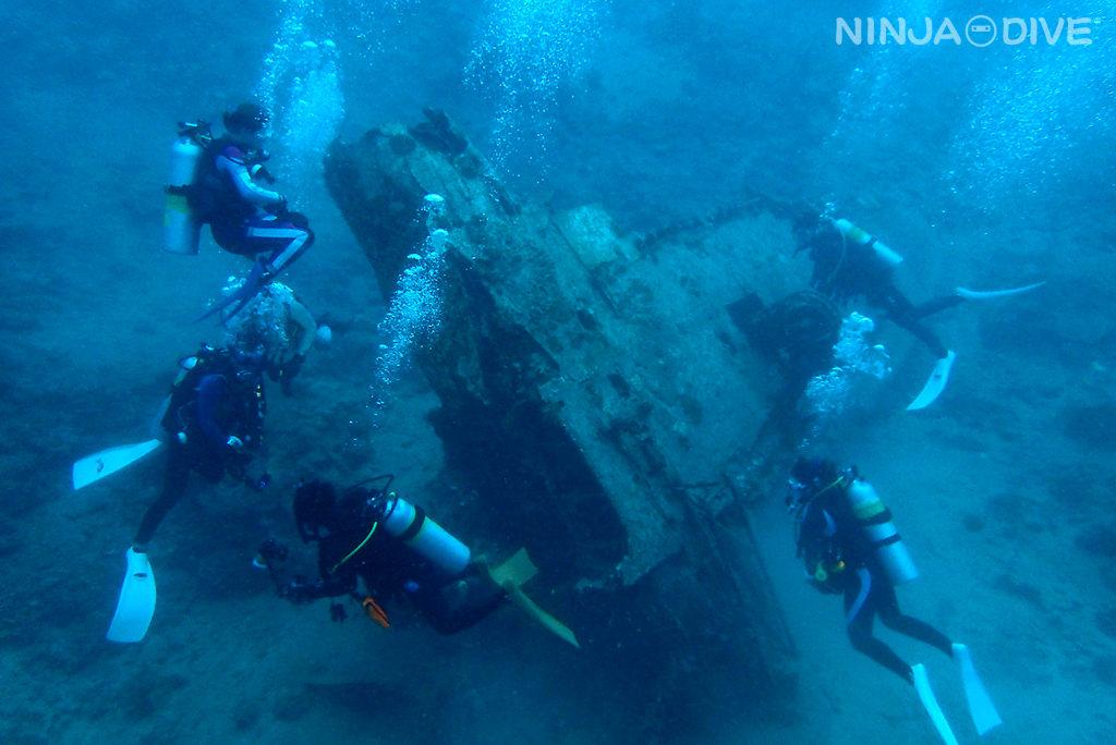 グアム中部 貸し切りボート チャーター ファンダイビング ボートダイビング バルボンバー セメントパージ ゼロ戦